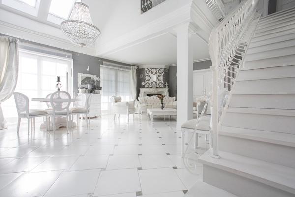 Moderne Kronleuchter: Juwel für hohe Räume